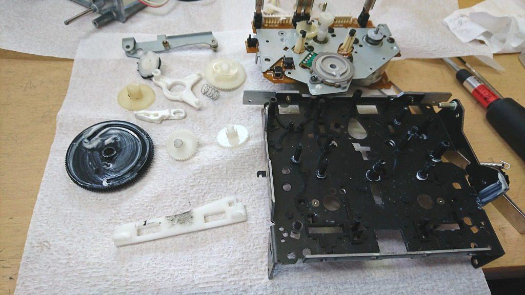 SONY TC-K222ESG メカニズム部分を分解