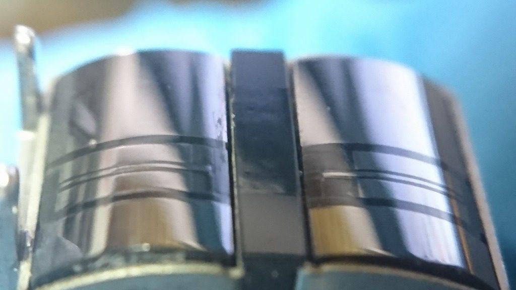 2台目のGX-Z6100のGXヘッドをマクロ撮影で確認する。今度は段差は生じておらず使える状態。