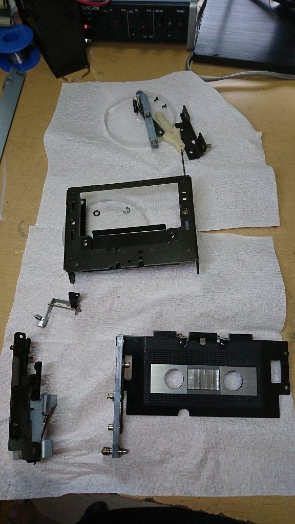 TC-K777 カセットホルダをすべて分解する