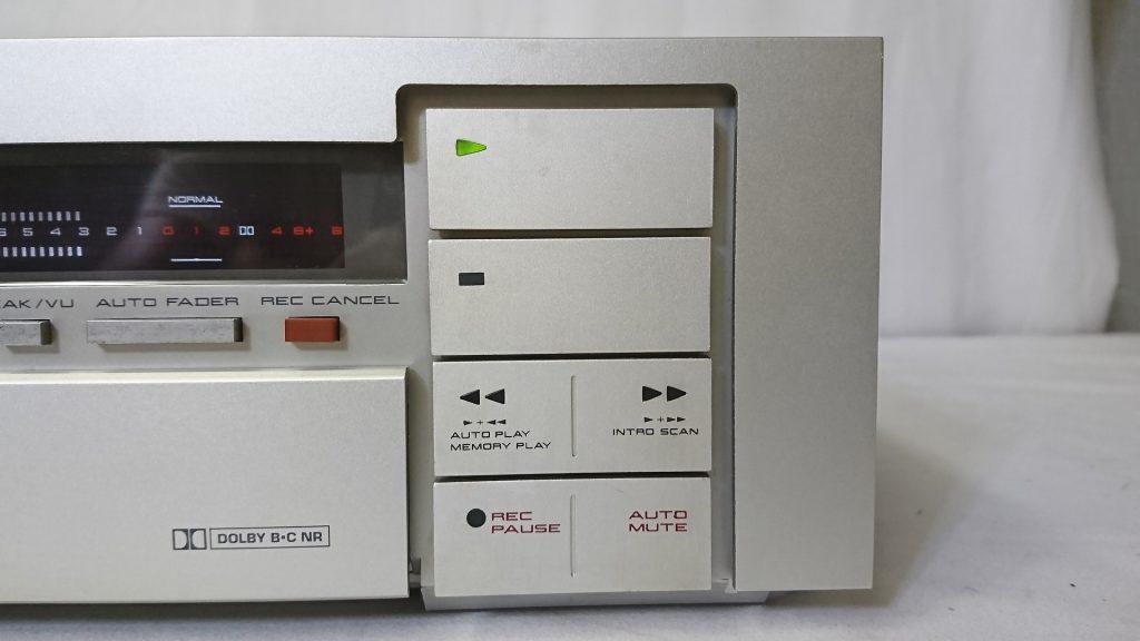AKAI GX-F71 テープ操作ボタン