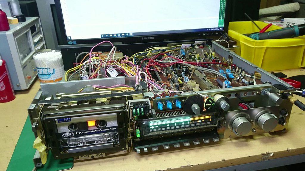 AKAI GX-F90 メーターが故障して振り切れっぱなし