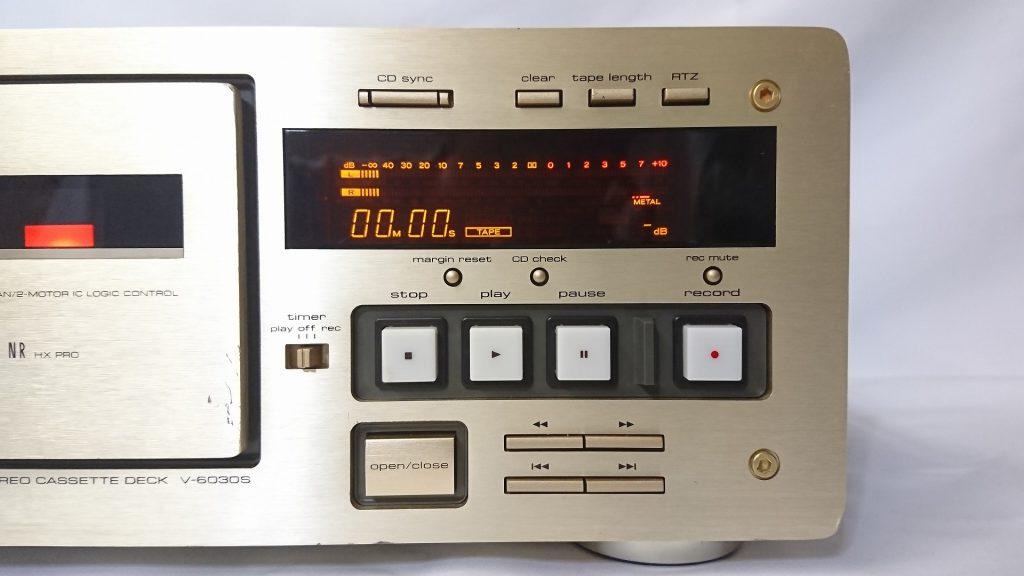 TEAC V-6030S メーターと操作ボタン